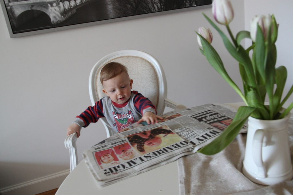 babyFrederick reading Daily Mail